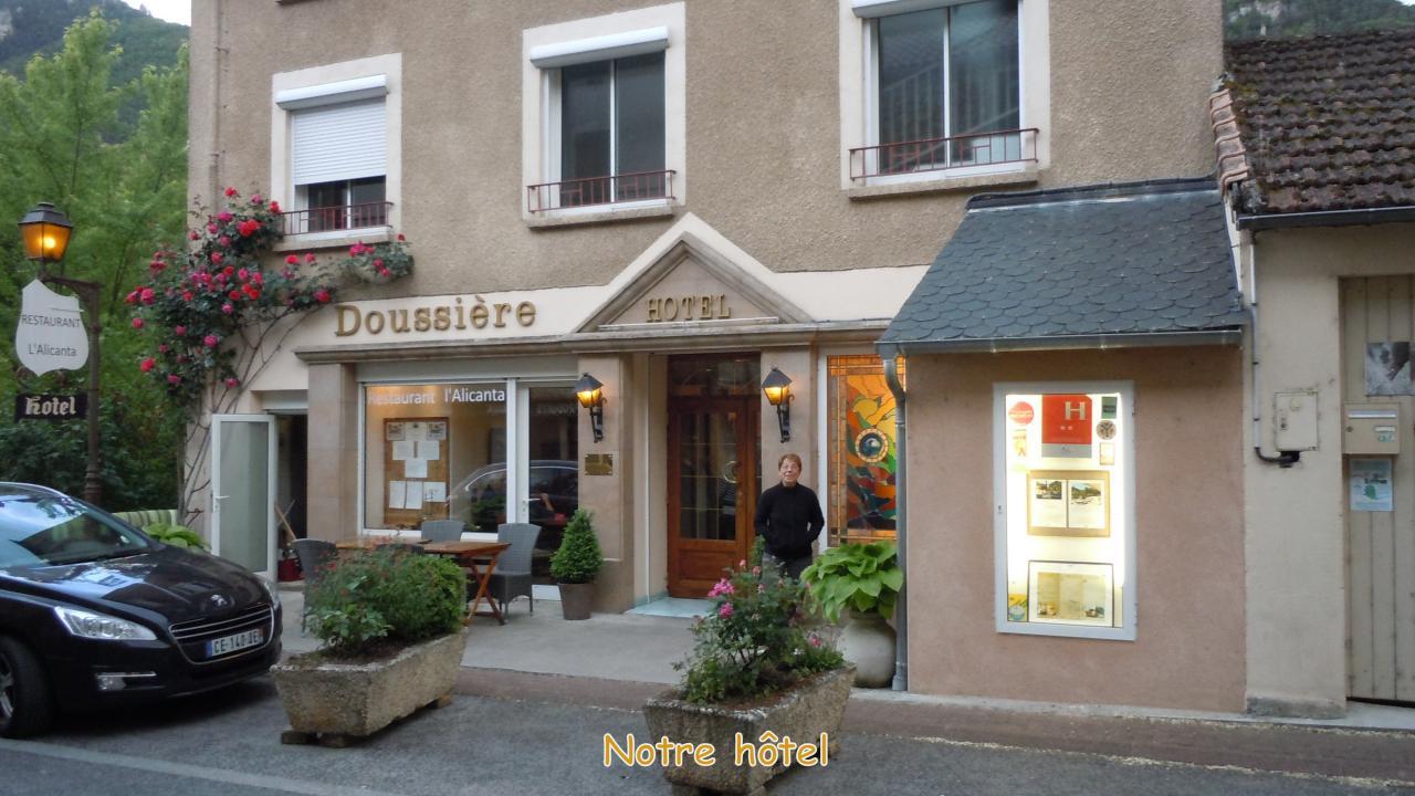 31-p (1 a) Hotel Doussière